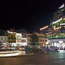 Główny plac przy jeziorku Hoan Kiem na starym mieście